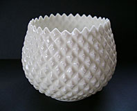SUPERB BELLEEK PORCELAIN DIAMOND PATTERN FLOWER POT VASE FIRST GREEN MARK C.1946-1955