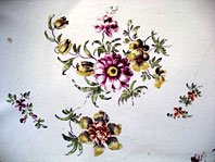 antique pottery image - RARE EARLY DUESBURY DERBY PORCELAIN COTTAGE SPRIGS FLORAL DISH BY THE DERBY COTTON STEM PAINTER C.1756-58