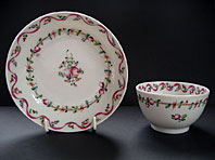 NEW HALL 18TH CENTURY ENGLISH PORCELAIN TEABOWL AND SAUCER, THE PINK RIBBON PATTERN, NUMBER 186
