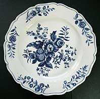 antique pottery image - FIRST PERIOD WORCESTER BLUE AND WHITE PLATE TRANSFER PRINTED WITH THE PINE CONE GROUP PATTERN BFS II.C.11 C. 1770-1785
