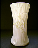 BELLEEK IRISH PORCELAIN TYPHA SPILL POSY VASE 1ST GREEN MARK C.1946-1955
