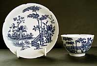 antique blue and white pottery image - VERY RARE NOTCHED RIMS WORCESTER PORCELAIN BLUE AND WHITE TEABOWL & SAUCER, THE PLANTATION PATTERN, BFS II.B.5