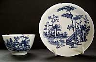 antique pottery image - VERY RARE NOTCHED RIMS WORCESTER PORCELAIN BLUE AND WHITE TEABOWL & SAUCER, THE PLANTATION PATTERN, BFS II.B.5 C.1757-60