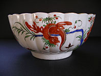 antique pottery image - FINEST FIRST PERIOD WORCESTER PORCELAIN JAPANESE STYLE JABBERWOCKY PATTERN FLUTED BOWL C.1770-80